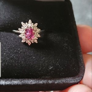 Gorgeous diamond and ruby ring. 14k